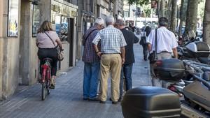 ¿Està llesta Barcelona per treure les bicis de les voreres?
