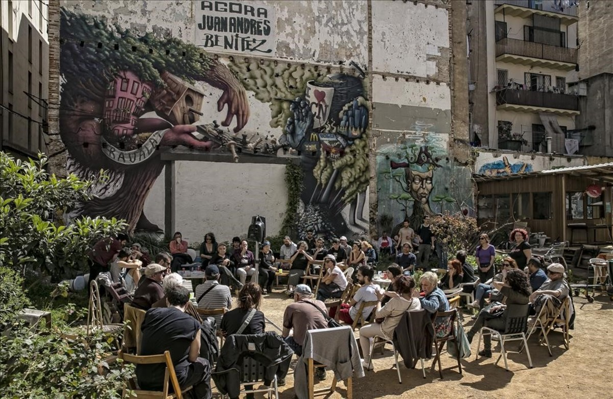 Presentación del colectivoRaval Resistim, este domingo en el Ágora Juan Andrés Benítez, en la calle de Aurora.