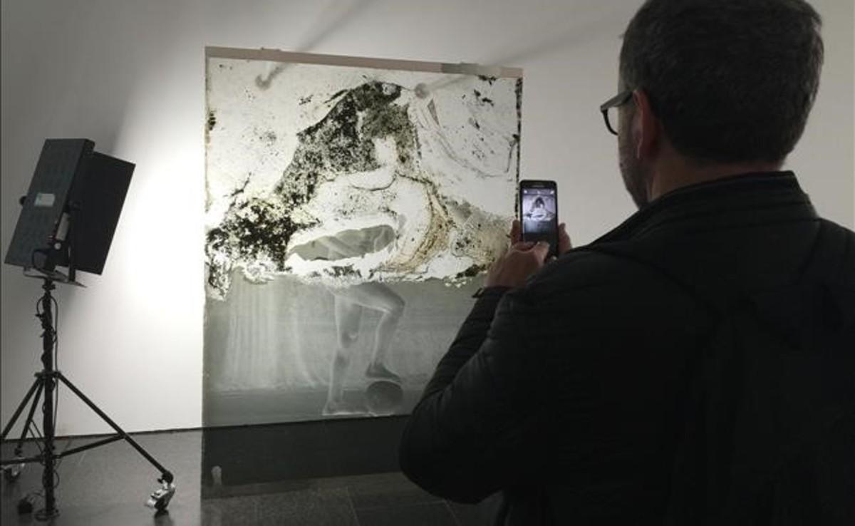 Arqueología, una de las piezas que muestra la exposición Contra la fotografía.