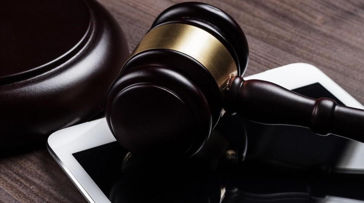 Condemnat a quatre anys per haver abusat de la seva filla de 15 anys