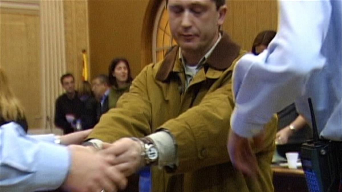 Magentí, durante el juicio por la muerte de su esposa, a principios del año 2000.