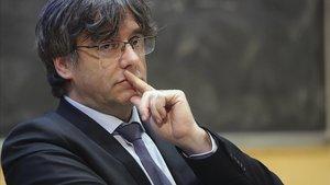 """Carta de Tajani a Puigdemont: """"No el puc tractar com a membre del Parlament"""""""