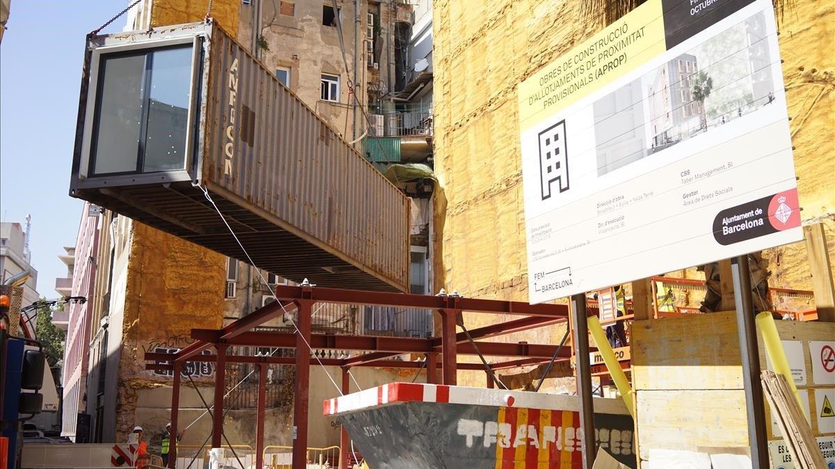 Barcelona ja té els primers barracons oficials per a vivenda social