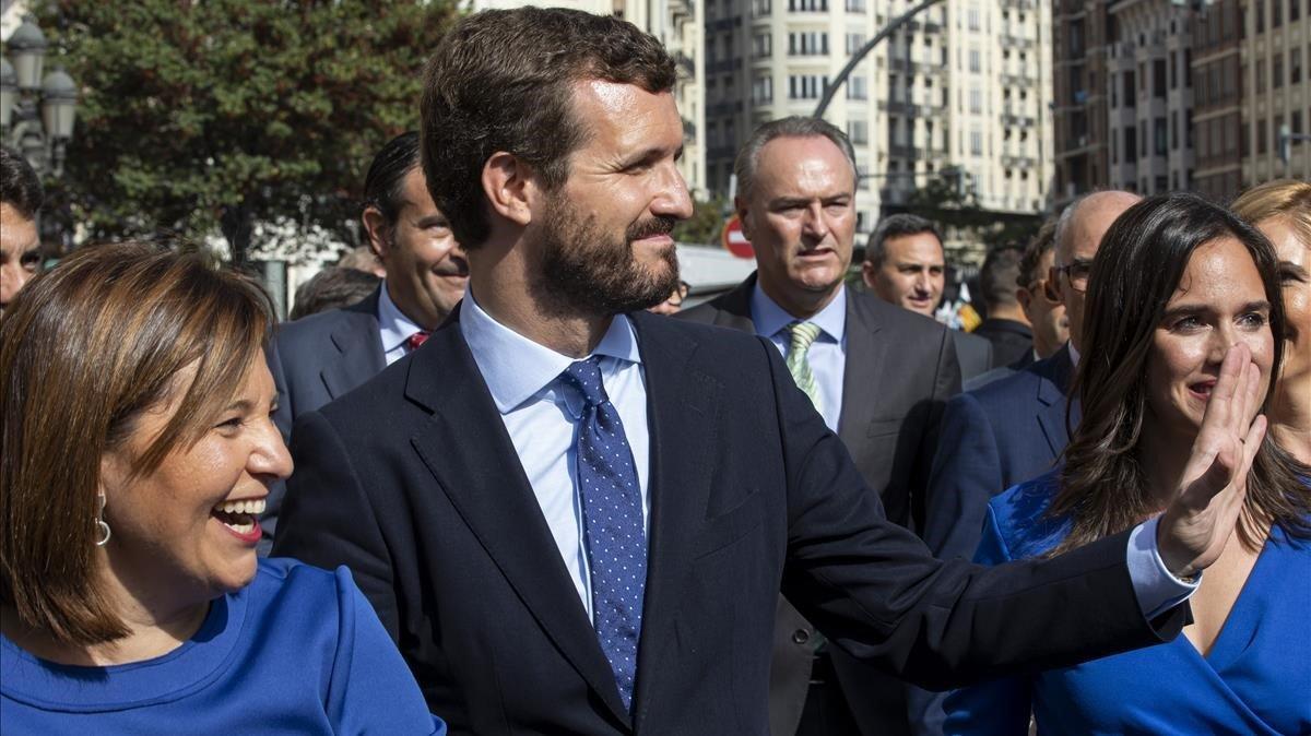 Casado proposa reforçar la funció pública davant «deslleialtats del Govern»