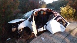Estado en que quedó el vehículo accidentado este domingo en Darnius.