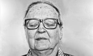 """Anna Ferrer: """"La población india trata a los 'covid' como a criminales"""""""