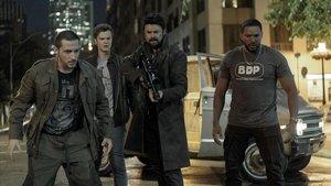 De izquierda a derecha, Tomer Capon, Jack Quaid, Karl Urban y Laz Alonso en 'The Boys'.