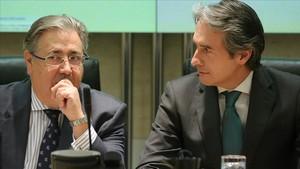 Zoido y De la Serna comparecen el 24 de enero por el colapso de la AP-6, Serrano el 22
