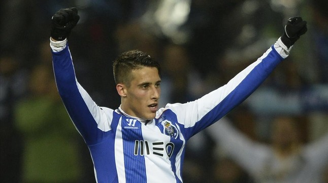 Cristian Tello Celebra Un Gol Con El Oporto Al Sporting De Portugal