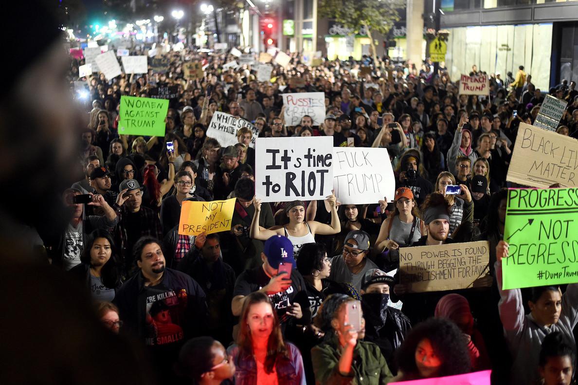 Vista de la manifestación de Oakland, una de la que se ha saldado con más incidentes.