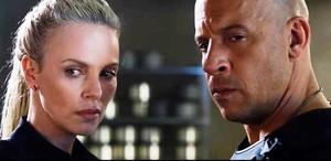 Charlize Theron y Vin Diesel, en una escena de Fast & Furious 8.