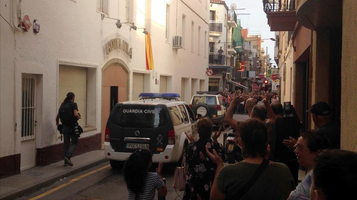 Los guardias civiles desplazados a Catalunya fueron expulsados de un hotel de Calella.