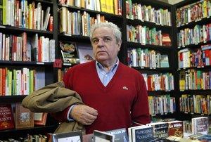Joan Marsé, en la librería La Central.