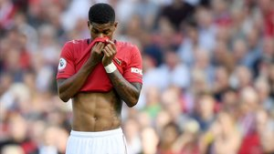 El Manchester United cau a casa després de fallar un altre penal