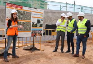 El alcalde de Sabadell, Maties Serracant, visita las obras de soterramiento de los FGC.