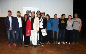 La alcaldesa de LHospitalet, Núria Marín (rojo), junto al resto de firmantes del convenio de colaboración