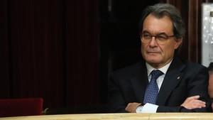 El expresidente de la Generalitat Artur Mas, en la tribuna de invitados del Parlament.