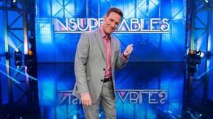 El humorista e imitador Carlos Latre, en el concurso Insuperables (TVE-1).