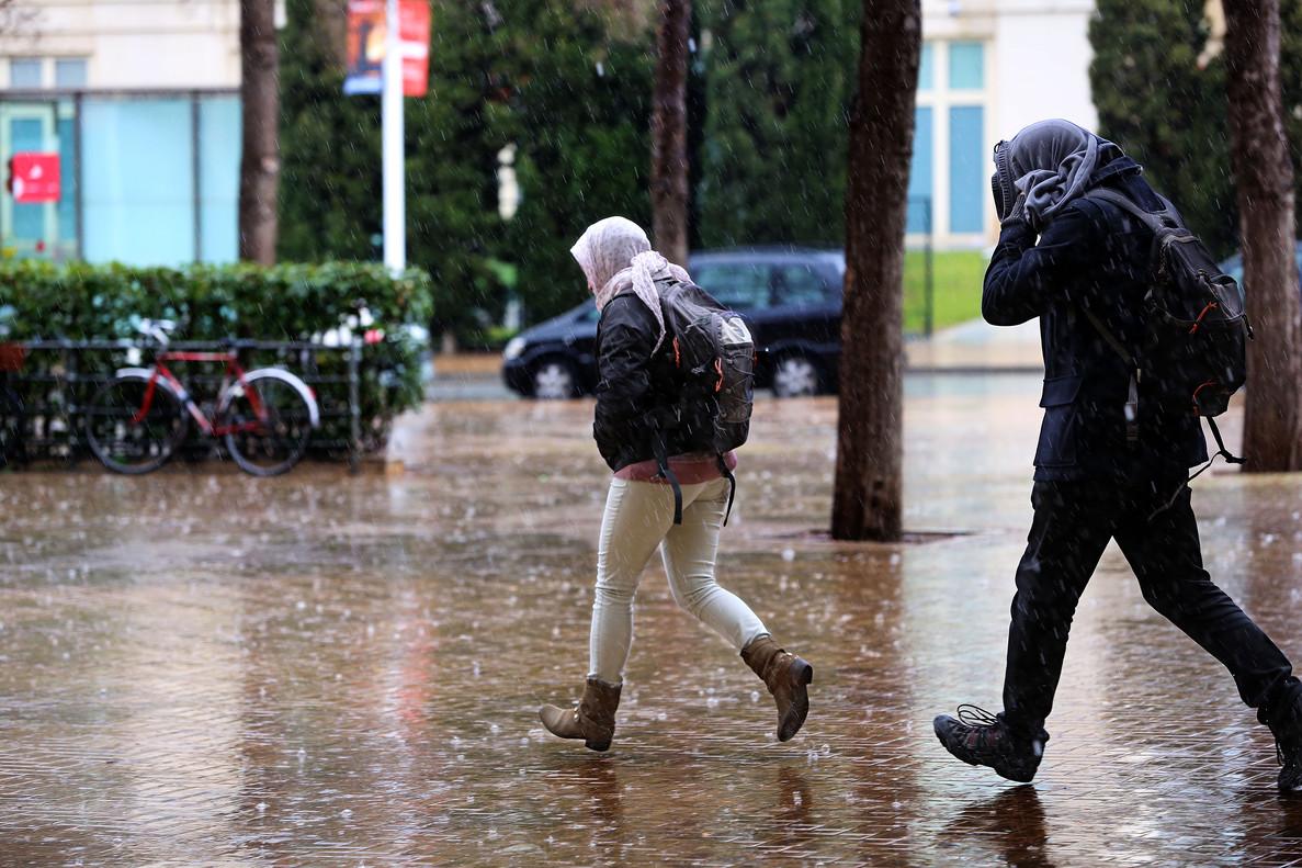 Lluvias Y Bajada Notable De Temperaturas En Catalunya