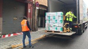 Donación de mascarillas en Sant Boi