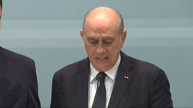 Fernández Díaz informa que por el momento no hay constancia de víctimas españolas en París.
