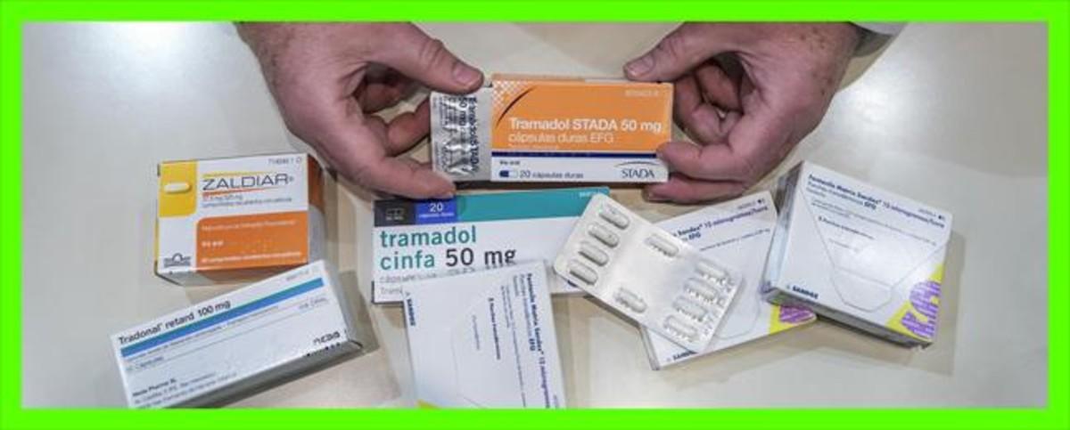 Envases de diferentes medicamentos analgésicos opioides.