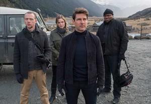 De izquierda a derecha: Simon Pegg, Rebecca Ferguson, Tom Cruise y Ving Rhames.