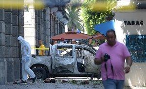 El escenario del ataque suicida en la capital de Túnez.