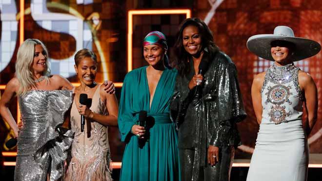 Els Grammy es reconcilien amb les dones