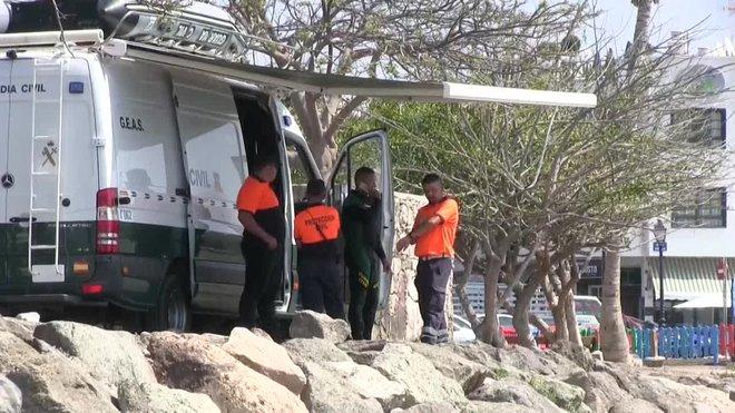 Una moto acuática ha encontrado en el mar el cadáver del bebé que desapareció la madrugada de este jueves cuando sus padres desembarcaban de una patera en la costa de Arguineguín, en el sur de Gran Canaria