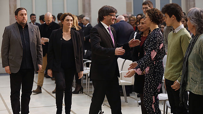 Sentido recuerdo en el Parlament: Cumpliremos tu sueño poroclama Puigdemont.