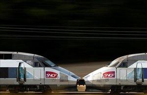 Imagen de archivo de dos trenes de SNCF.