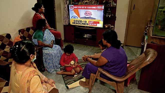 L'Índia decreta el confinament total durant 21 dies per frenar el coronavirus