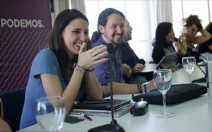 Sánchez levanta el veto presupuestario a 17 leyes de Podemos en un guiño a Iglesias