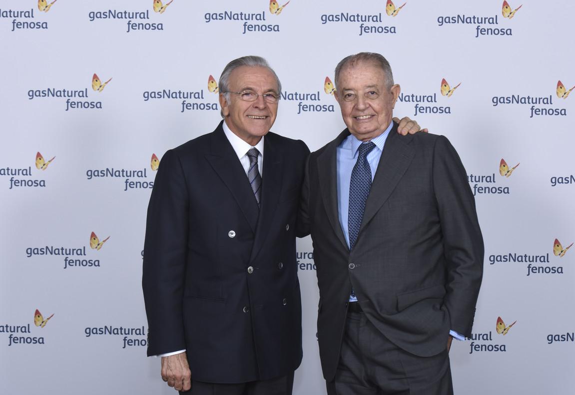 Fainé, izquierda, con Gabarró, tras el consejo