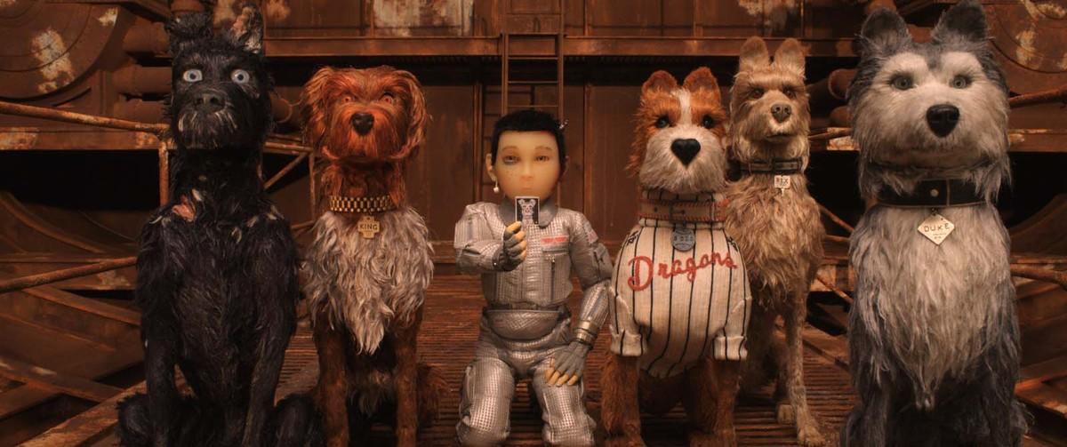 El pequeño Atari encabeza la revuelta junto a los cinco perros protagonistas.