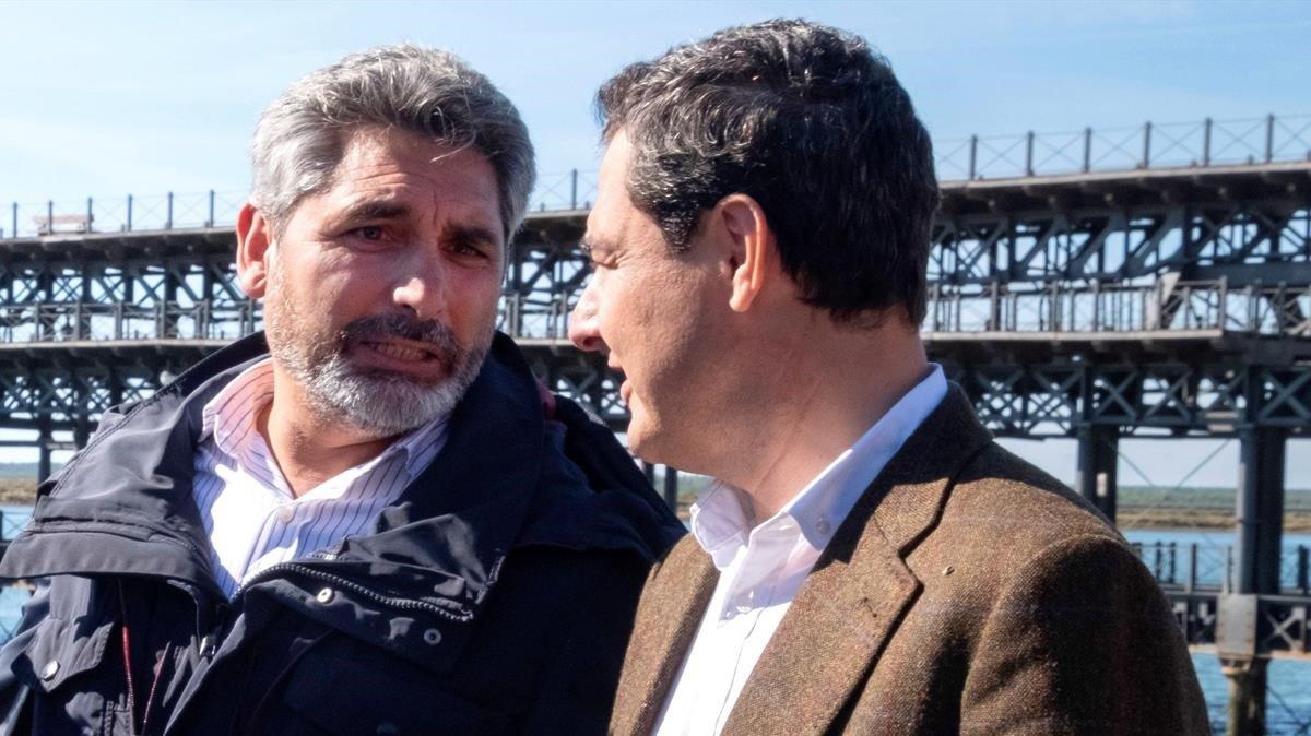 Juan José Cortés y Juan Manuel Moreno, el pasado noviembre, en Huelva.