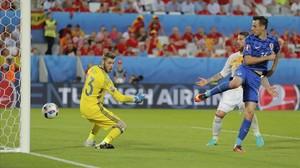 Kalinic marca el primer gol de Croacia a De Gea.