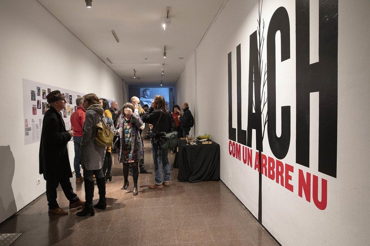Entrada a la exposición dedicada al cantautor.