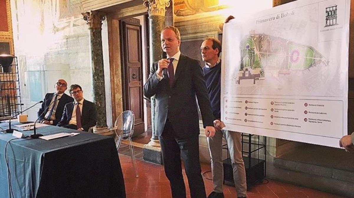 El alcalde de Florencia, Dario Nordella, presenta el acuerdo alcanzado con Gucci.
