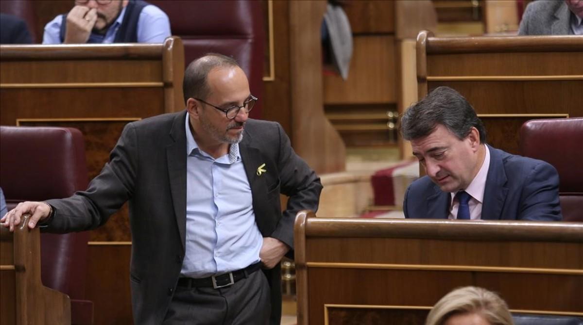 Los portavoces del PDECat y el PNV, Carles Campuzano y Aitor Esteban, el pasado noviembre en el Congreso.