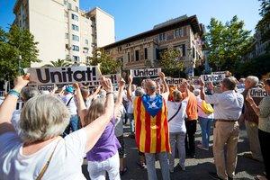 Manifestantes convocados por la Crida Nacional per la Repúblicaen Barcelona.