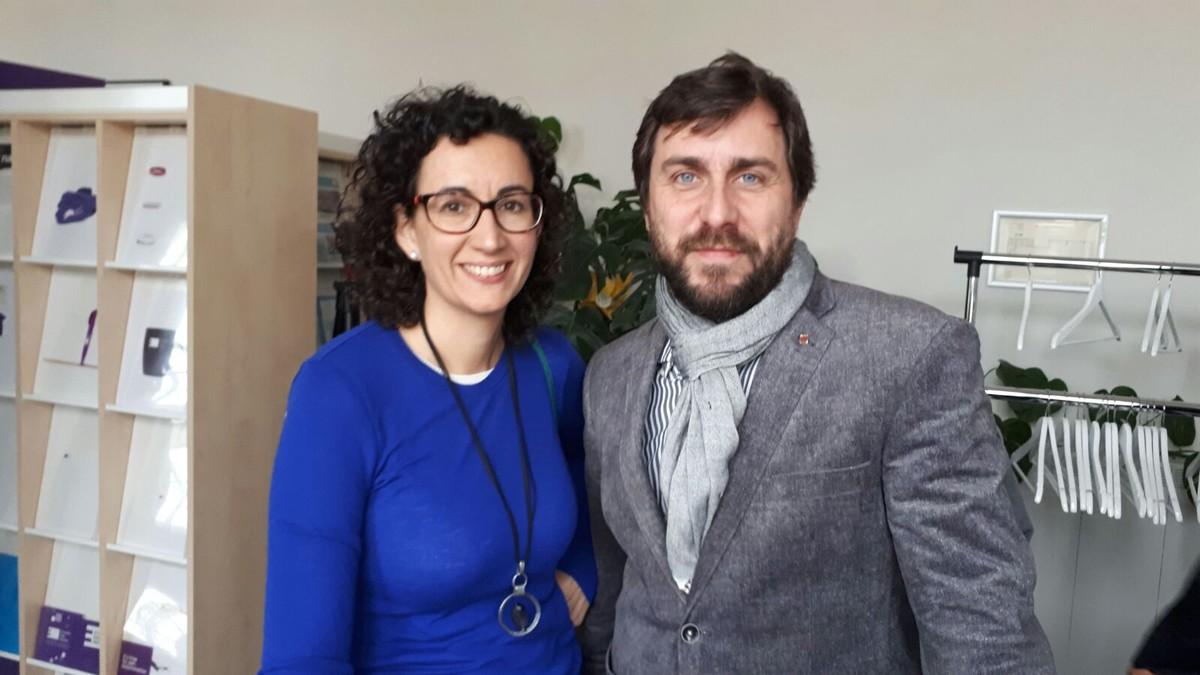 Marta Rovira, junto al exconseller Toni Comín, en Bruselas.