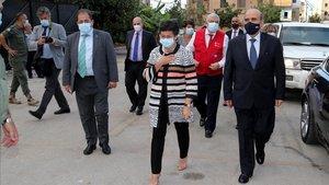 La ministra española de Exteriores, Arancha González Laya, junto a su homólogo libanés, Charbel Wehbe, este viernes en Beirut.