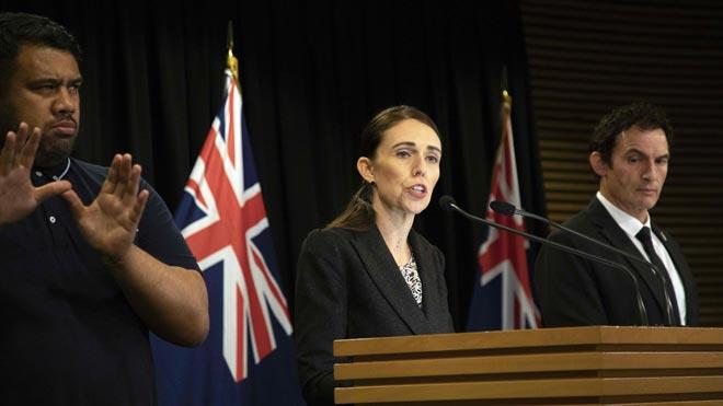 Nueva Zelanda prohibirá las armas militares y semiautomáticas tras los atentados.