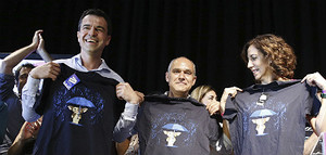 El nuevo líder de UPD, Andrés Herzog (i), junto a los también candidatos José Antonio Rueda e Irene Lozano.