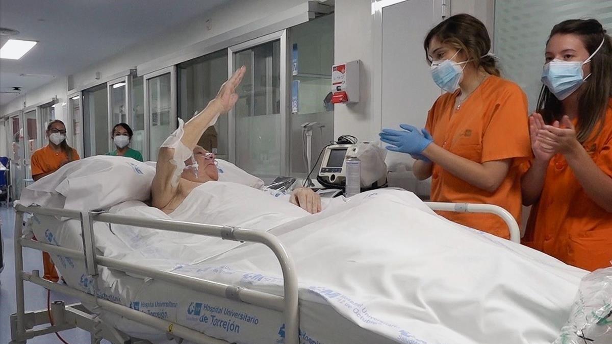 A planta tras 144 días: sale de la UCI el 'paciente covid' que más tiempo ha estado dentro