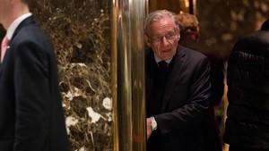El periodista Bob Woodward en enero del 2017 tras mantener un encuentro con el presidente Donald Trump en Nueva York.