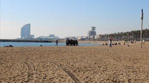 La playa del Somorrostro, en Barcelona, esta mañana.