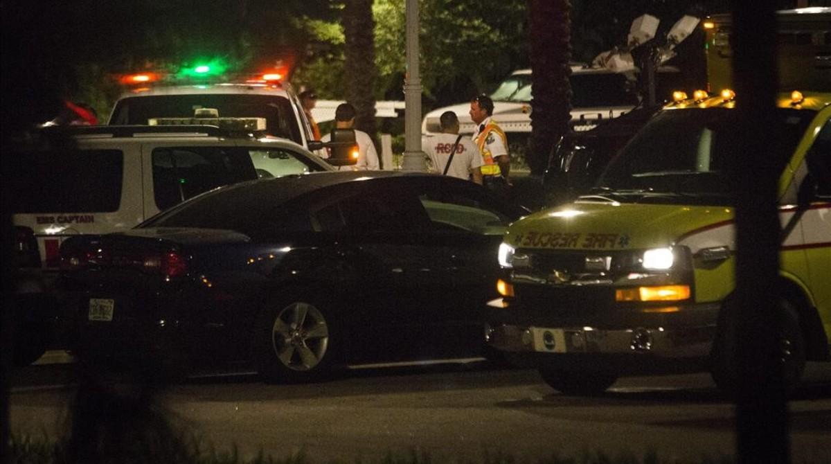 La policíade Orlando el martes por la noche durante las tareas de búsqueda del niño de dos años desaparecido.